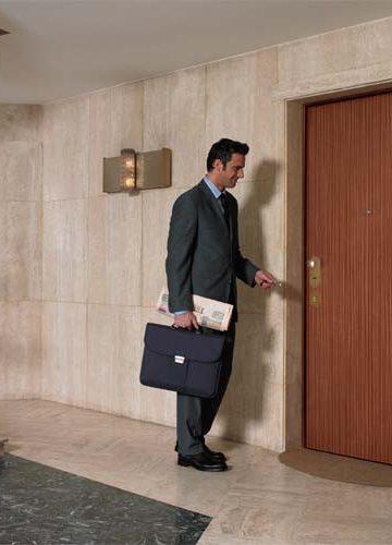 Блиндирана врата Dierre DOUBLE